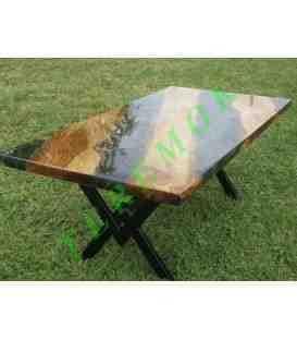 Mesa de roble y resina epoxi